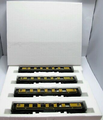 4 Hornby Pullman Coaches (From Silver Jubilee Set) - Part Boxed - (3091)   • 50.26€