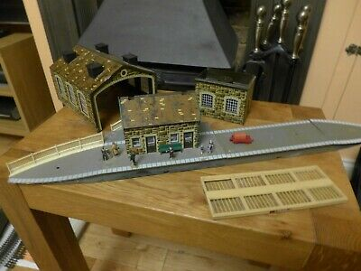 Model Railway Job Lot Station, Engine Shed, Water Tower And Platform • 5.06€