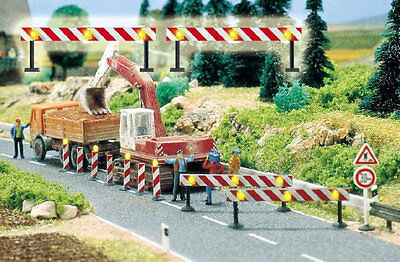 Busch 5905 NEW HO FLASHING ROAD BARRIERS • 22.78€