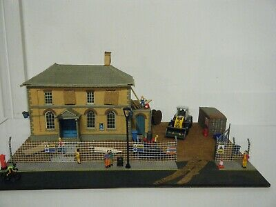 Model Railway Diorama Of Superquick Police Station Building Site 00 Gauge • 35.03€