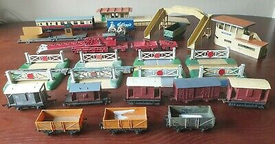 Hornby Dublo Large Joblot, Recovery Crane, Station, Bridge, Carriages, Crossings • 139.83€