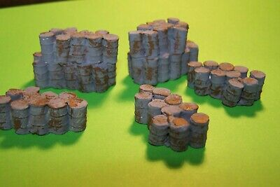 Oo Gauge Eight Rusty Old Oil Barrels,unpainted. • 4.27€