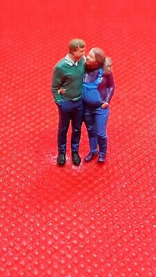 Resin Finescale 00 Gauge Figures/people Handpainted Young Loving Couple  • 1.11€