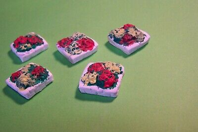 Oo Gauge Eight Square Stone Flower Beds. Painted • 2.53€