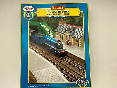 Hornby R9264  Platform Pack Thomas & Friends  Building Mint Boxed • 67.80€