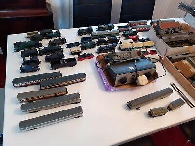Classic Collection Vintage Train Set With 15 Engines • 141.79€