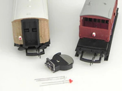 Train-Tech AL2 OO Gauge Flickering Fire Tail Light Kit • 18.04€