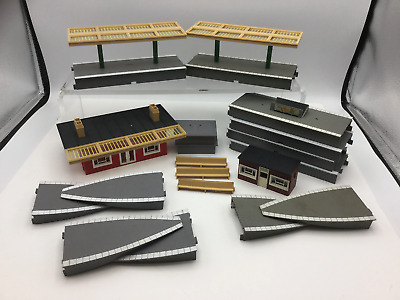 Triang OO Gauge Station And Platforms • 27.32€