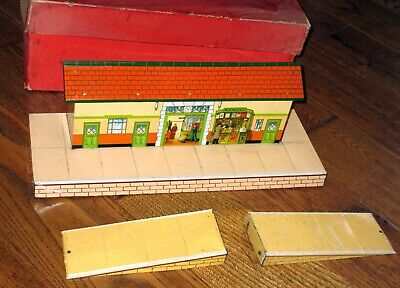 HORNBY O GAUGE No.3 RAILWAY STATION WITH RAMPS - BOXED • 18.68€