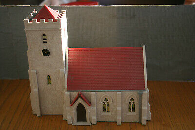 OO Gauge Triang/Hornby RML 17 Country Church With Working Chimes • 29.25€