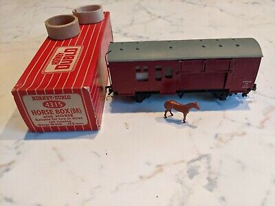 Hornby Dublo 4315 Horse Box (br) + Horse In Red & White Striped Box • 7.85€