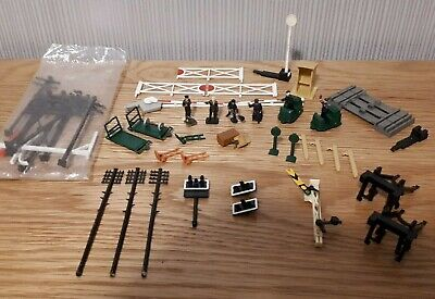 Hornby - Collection Of Track & Station Platform Accessories For OO Gauge Railway • 38.26€