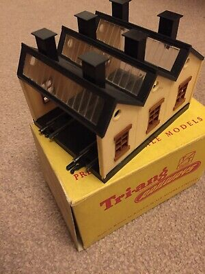 Triang TT T-28 Engine Shed • 16.85€