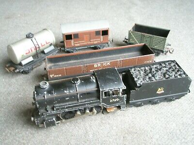 Trix Oo Gauge Goods Train - Loco And Wagons - Tested. • 27.87€