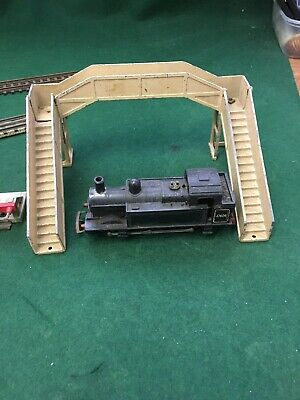 Vintage Hornby Duplo Metal Railway Carriages And Station Accesories • 44.20€