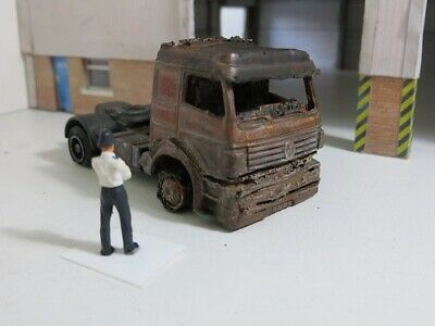 DIECAST TRUCKS Code 3 BURNT OUT 00 Gauge Vehicles • 11.29€