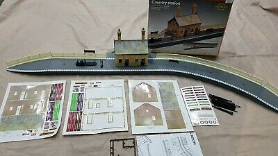 Hornby R8000 Country Station Set Model Railway Layout Oo Gauge • 34.82€