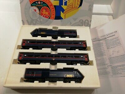 Hornby R2612 GNER HST 125 Train Pack 43115 And 43118 Plus 2 MK3 TSO's. Excellent • 136€