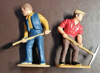 16mm Garden Railway Figures  • 5.76€