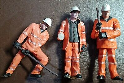 16mm Garden Railway Figures  • 9.25€