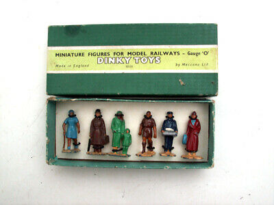 DINKY TOYS O GAUGE No 3 PASSENGERS SET IN VERY GOOD CONDITION • 22.46€
