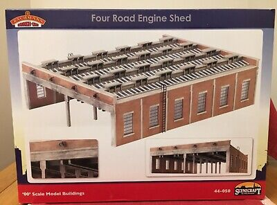 Bachmann Scenecraft OO Gauge Four Road Engine Shed. 44–050. Used. • 63.59€