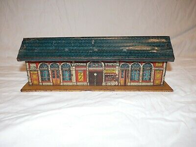 Vintage Pre-war German Tin Lithographed Embossed Bing Train Victoria Station O.g • 56.99€