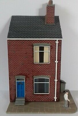 Oo Gauge Street Scene Pack Includes 9 Buildings & Pavement Section In Kit Form  • 65.06€