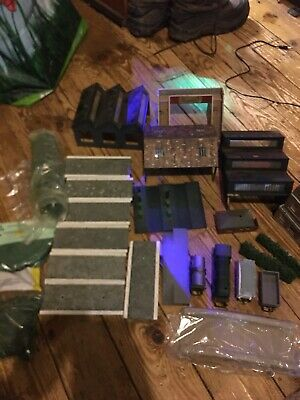 Job Lot Model Railway Buildings And Other Bits • 7.63€