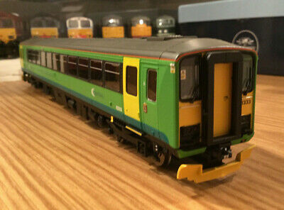 Hornby Class 153 Unit  (reduced) To Clear Dcc Ready • 97.88€