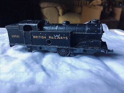Model Trains In Need Of TLC • 1.11€