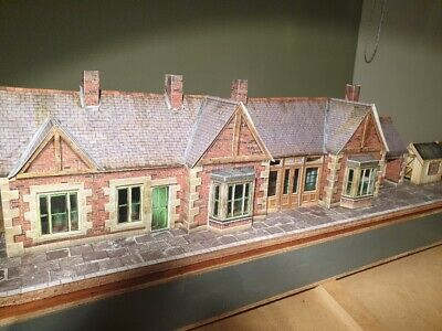 7mm Scale Station Building Built From A Card Kit • 56.15€