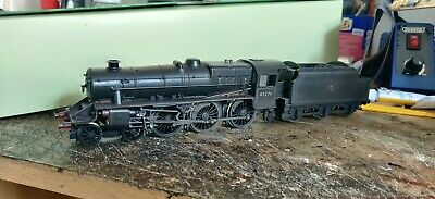 Hornby BR Ex-LMS Black 5 In BR Late Crest Lined Black (45274) Heavily Weathered. • 84.72€