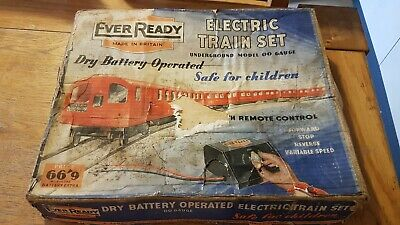 Ever Ready Tube Train Empty Box With Curved Track Pieces - Oo Gauge As Pictures  • 12.29€