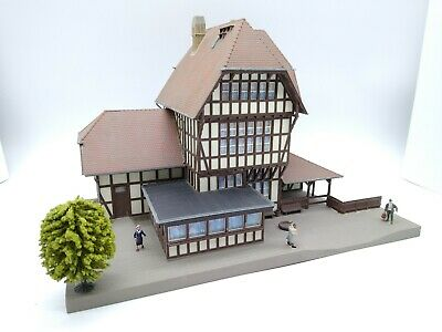 Kibri Large Station (Figures Included) - OO/HO - Very Good Condition • 44.73€