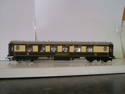 Hornby  Oo.  Pullman  Coaches.  New. • 31.52€