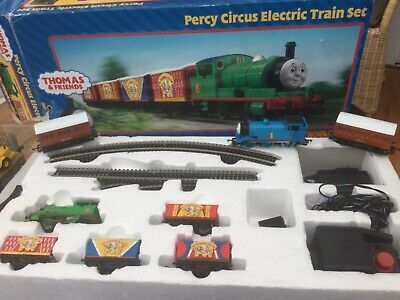 HORNBY THOMAS AND FRIENDS PERCY CIRCUS 🤡 ELECTRIC TRAIN SET With THOMAS  • 149.64€