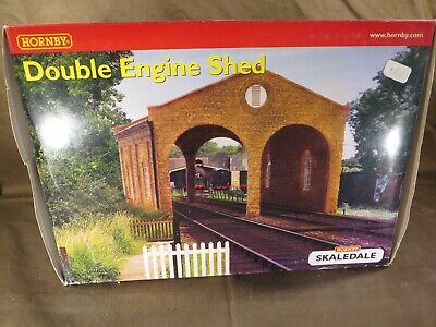 Hornby Fertighaus R8637 Double Engine Shed In OVP, Ladenneu, Selten • 3.50€