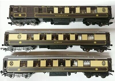 Hornby Pullman Coaches Set Of Three With LED Interior Lighting. • 68.21€