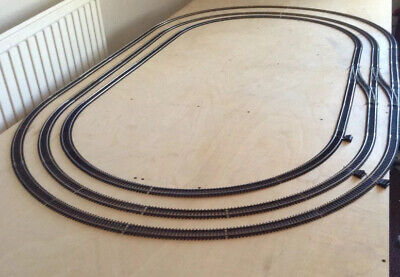 Job Lot Of Hornby Oo Gauge Track, Enough To Create 3 X Ovals • 67.06€