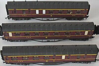 (941) 3 Airfix Passenger Coaches Oo Gauge, Pre-owned • 31.28€
