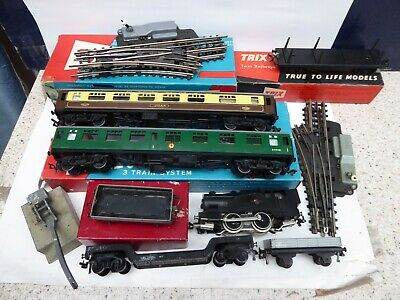 Trix Twin Collection, Locomotive, Coaches, Wagons & Track • 49.74€