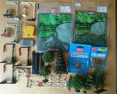 Job Lot 00 Gauge Model Railway Layout Scenic Items,  And Accessories. • 6.69€