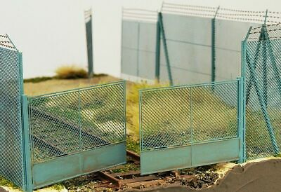 Model Scene 48141 Chain Mesh Gate For High Fence Scale 1:72 / 1:87  • 14.71€