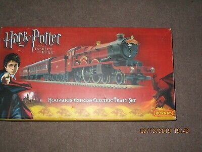 R1067 Hornby Harry Potter And The Goblet Of Fire Trainset • 173.17€