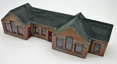 Detailed Model Railway Station For HO / OO 3 • 16.94€