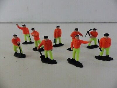 **  Work  Gang  3  **  9  Figures  Very  Good  Condition • 2.80€