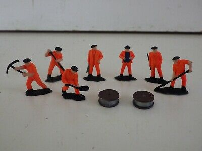 *  Network  Rail  *  Cable  Laying  Gang  7  Figures  Very  Good  Condition • 3.36€