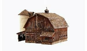 Woodland Scenics 4932 N Built-Up Old Weathered Barn • 79.22€