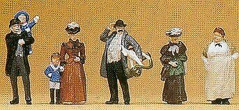 1900s Passersby • 34.71€